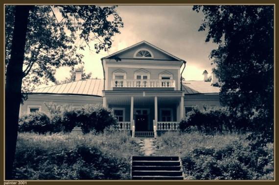 Главный дом в усадьбе Абрамцево